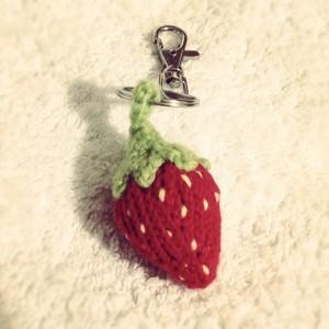 Strawberry Keychain Keyring Free cute knititng patterns